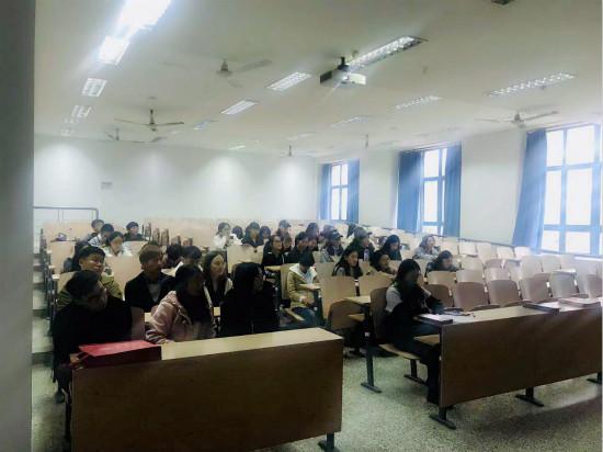 泽稷教育·恭喜南通大学外国语学院CFA讲座举办成功