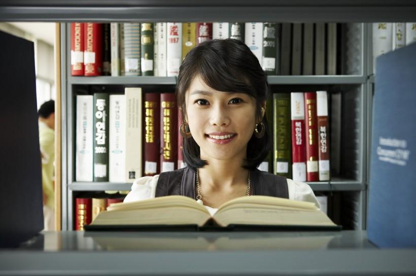 CFA考试对英语水平的要求高吗?