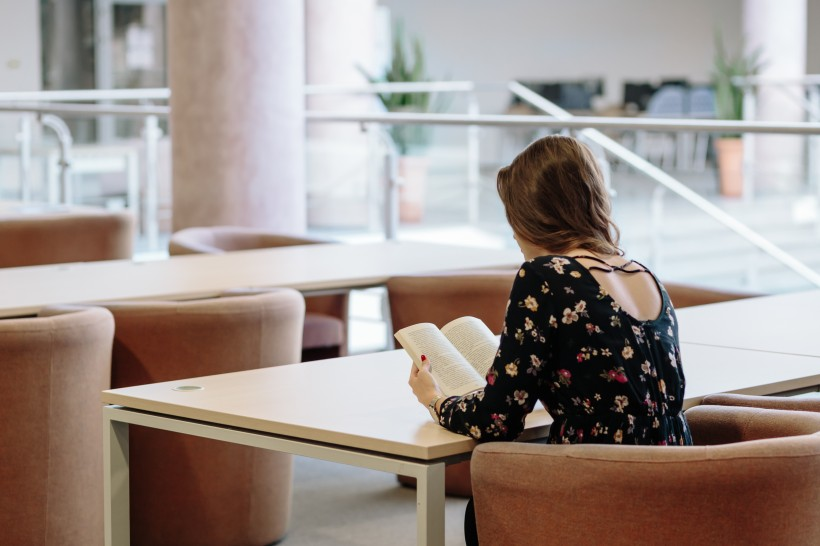 ACCA考试对于英语水平的要求高吗?