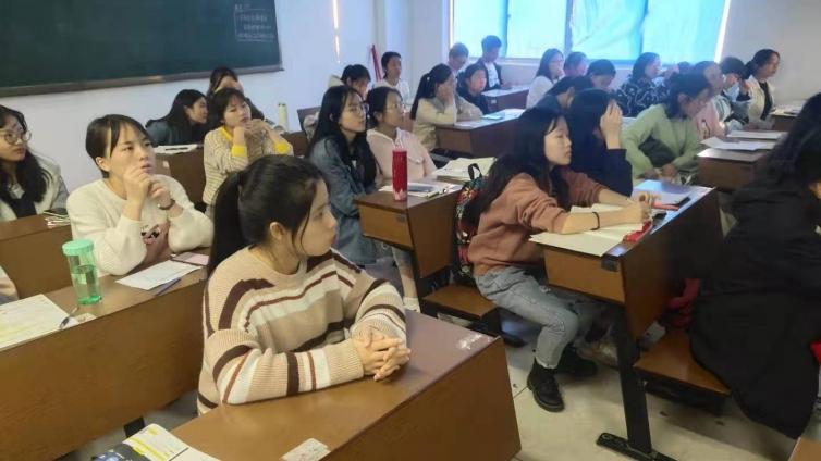 泽稷教育·湖南财政经济学院英语班ACCA讲座顺利举办