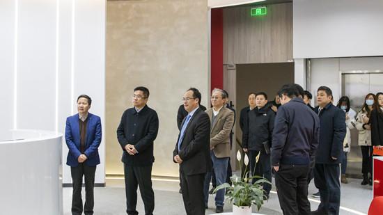 热烈欢迎杨浦区区长薛侃一行莅临泽稷教育调研指导