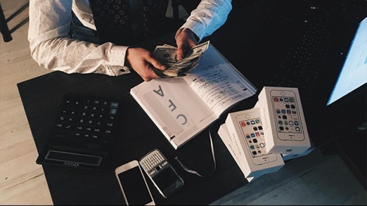金融分析师资格证报考条件有哪些?考下来要多久?