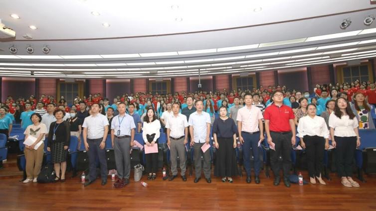 泽稷教育应邀出席上海大学法学院2021年新生开学典礼暨师生见面会